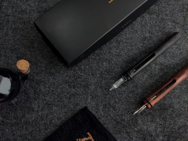 Devil Dip Pen & Round Inkwell 7